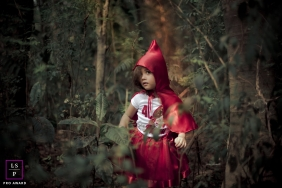 Family Photography for Sao Paulo Brazil - Lifestyle Portrait contains: girl, red hood, woods, trees, nature