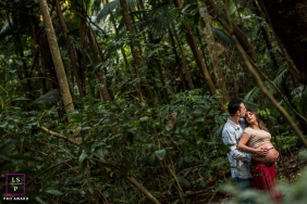Maternity Photographer in Campinas Sao Paulo | Lifestyle Image contains: couple, pregnancy, woods, hug