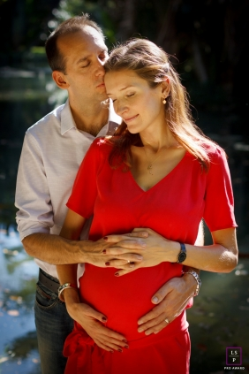 Rio de Janeiro Maternity Portrait Session | Photo contains: couple, pregnancy, picture, hug, love