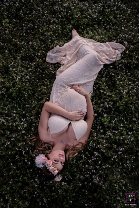 Key West Maternity Lifestyle Portraits - Photo contains: Florida, pregnant, mother, art, grass, flowers, outside, picture