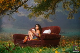 Seattle Female Lifestyle Portraits | Photo contains: Washington, couch, mug, blanket, outdoors, tree, grass, woman