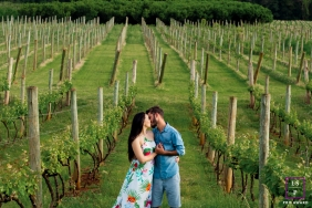 Paranoia Brazil Lifestyle Couple Portraits at the Vineyard | Image contains: man, woman, vineyard, green