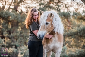 Teen with Horse Photography for Groningen, Netherlands - Lifestyle Portrait: a bit portait and a bit family, horse love