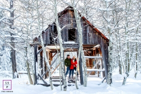 Couple Portraits in Lake Tahoe   California Lifestyle Photography Session: Couple in an abadoned house in the middle of the snow