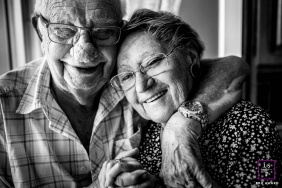 Elderly Photography for Bourgogne-Franche-Comte - Lifestyle Portrait: Love never gets old