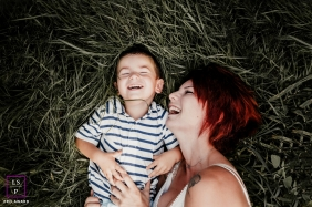 Ain Auvergne-Rhone-Alpes family and lifestyle photography: With mom in the grass family photo