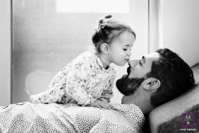 Marseille lifestyle portrait session with dad and daughter | Bouches-du-Rhone Kissed
