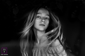 Portrait of a teen during a Occitanie family portrait session.
