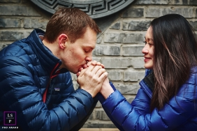 Beijing China Lifestyle Portrait | Beijing engagement shooting in hutong