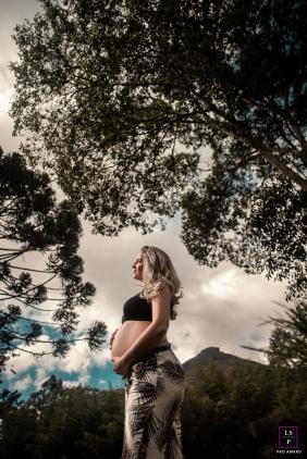 Nova Friburgo Outdoor lifestyle maternity portrait session