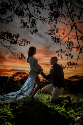 Holy Spirit lifestyle maternity portrait in Brazil with mom and dad at sunset