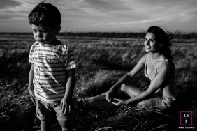 A Perpignan boy is Sad while taking lifestyle portraits with his mom in Pyrenees-Orientales