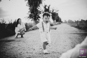 Pistoia Tuscany lifestyle outdoor family image session