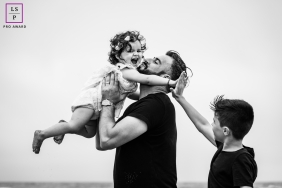 Perpignan Pyrenees-Orientales outdoor lifestyle family photography shoot with a High Five big brother