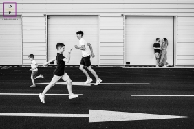 Artistic Perpignan Lifestyle Photography showing the Modern family going in all directions