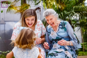 Curitiba Family Lifestyle portrait with a girl playing with great grandmother and mother