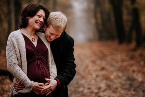 Auvergne-Rhone-Alpes fall maternity session in the woods