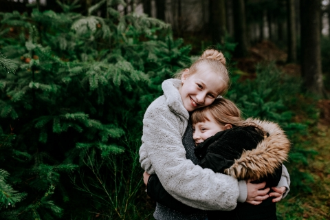 Artistic Auvergne-Rhone-Alpes Lifestyle Photography of sibling love in the trees