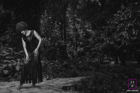 Female Portrait Session in Rio de Janeiro Brazil | Lifestyle Photography contains: black and white, woman, garden, woods, trees