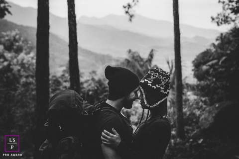 Rio de Janeiro Lifestyle Couple Portraits - Photo contains: Brazil, couple, black, white, pre-wedding, trees, mountain