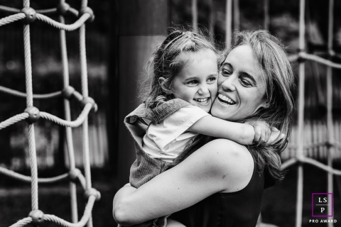 Brabant Wallon Mom and Daughter - Wallonie lifestyle photography session at the park