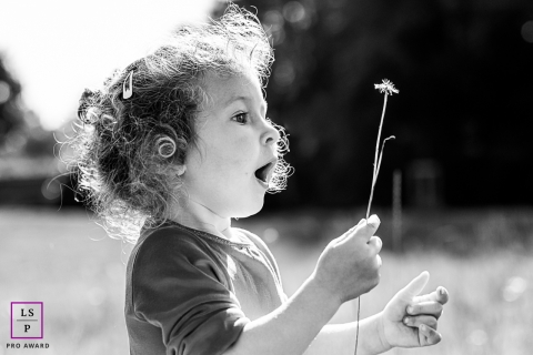 Family and Children Photography for Wallonie - Lifestyle Portrait: Last flowers of the summer