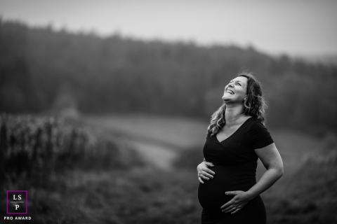 Bourgogne-Franche-Comte maternity portrait in the vineyards by a France lifestyle photography professional.