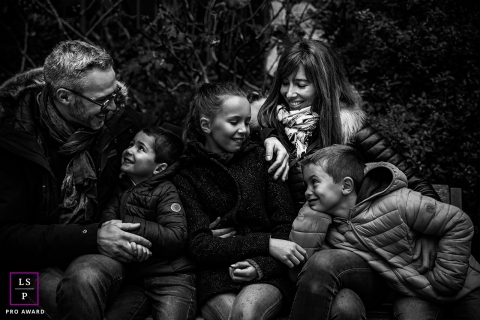 black and white Family session in old Lyon