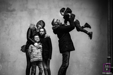 Family lifestyle session in old Lyon