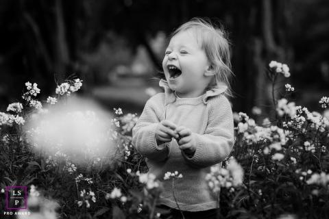 Herault, Occitanie little girl laughing | France lifestyle photographer