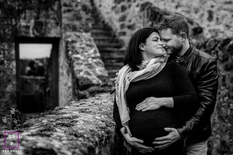 lifestyle maternity portrait, Vallée de la Chevreuse, France