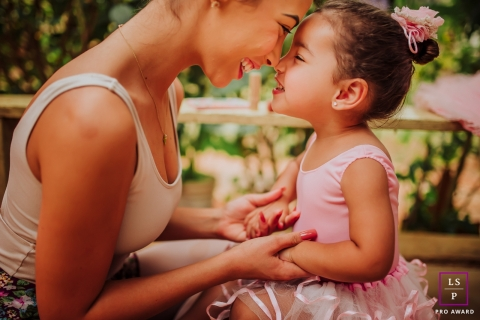 Minas Gerais mom goes nose to nose with her ballerina daughter during this Brazil portrait session