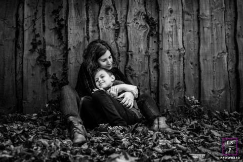 Perpignan outdoor lifestyle kids shoot with autumn leaves and mummy's hug