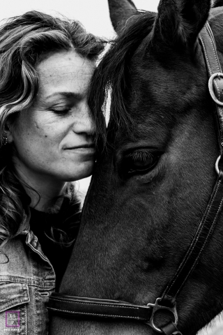 Groningen on-location Lifestyle Pet Portrait of a horse and owner