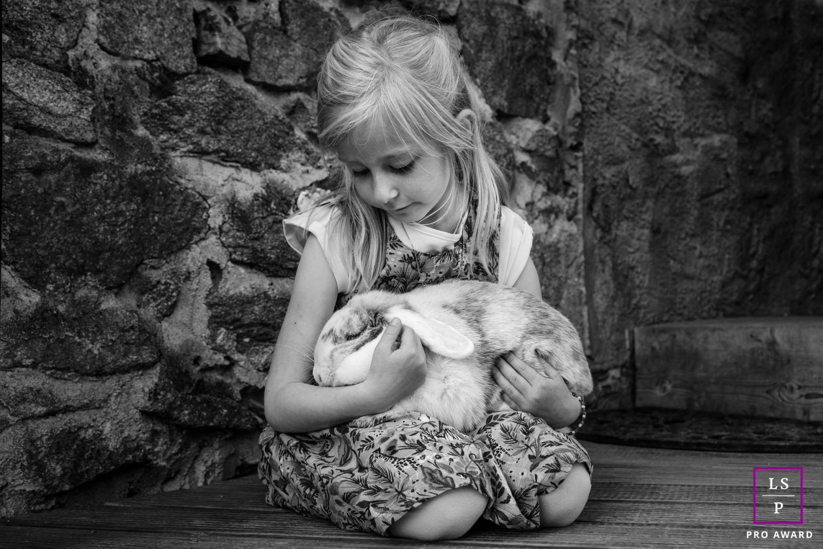 Limoges, Haute-Vienne Lifestyle portrait of a young lady with a rabbit