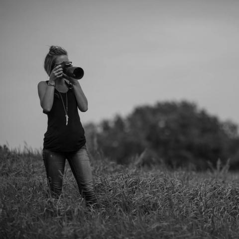 Ashley Soeder is a Saskatchewan Lifestyle Photographer