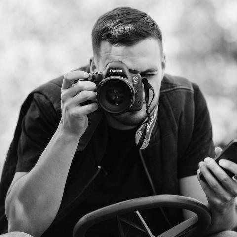 Warsaw Lifesyle Photographer, Bartlomiej Zackiewicz - Serving Poland and Mazowieckie
