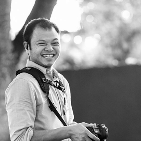 Brazil photographer Cheng Nam Van has a photography career in family photojournalism and weddings.