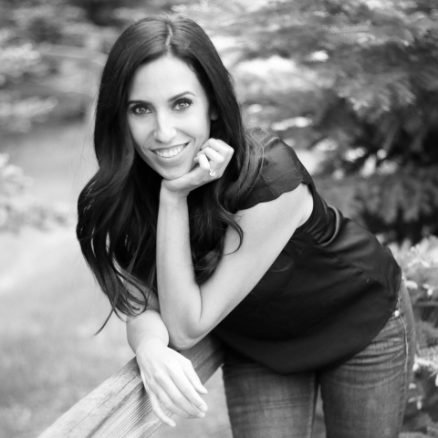 Portrait of Colorado Springs lifestyle photographer Brittney Longo