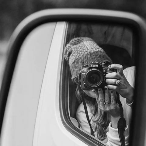 Mirror selfie portrait of Maryland lifestyle photographer Fleur Gedamke - United States family portraits.