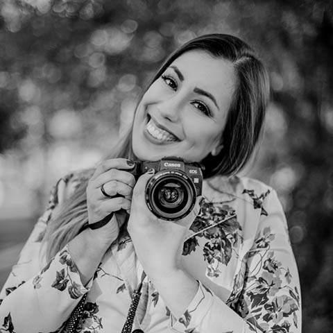 Outdoor portrait of Diadema lifestyle photographer Fernanda Marqui of Sao Paulo, Brazil
